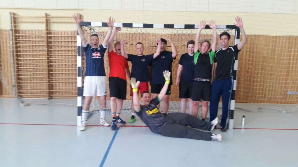 Unsere Kämpfer: stehend v.l.n.r.: Carsten, Konrad, Martin, Kevin, Anne, Timo, Marco und liegend: Steven